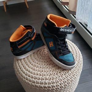 Size 7 big boys shoes